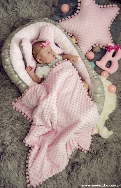 Kokon niemowlęcy Małe Gwiazdki i Róż