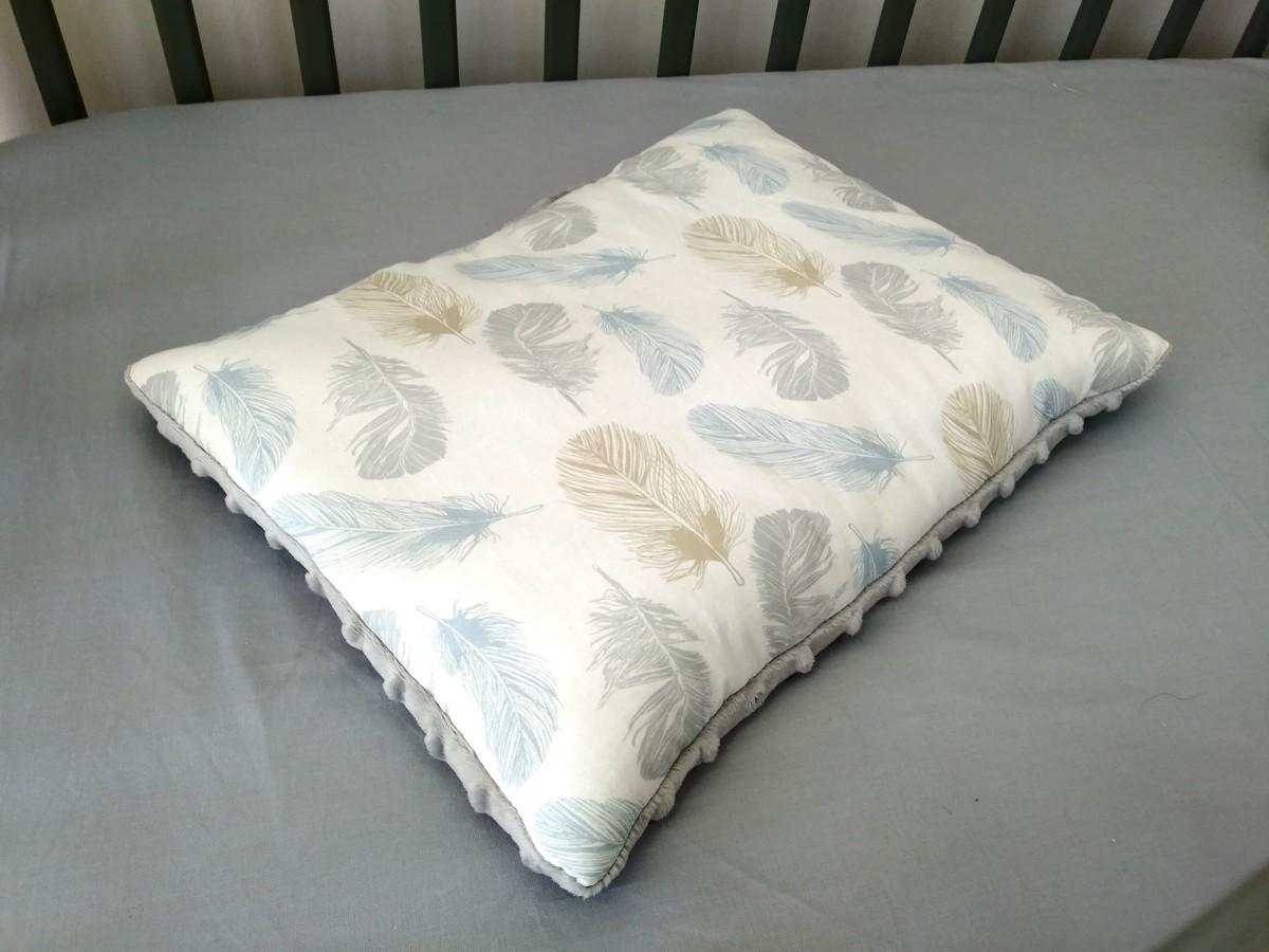 Płaska poduszka Minky Niebieskie Piórka i Szary [PREMIUM]