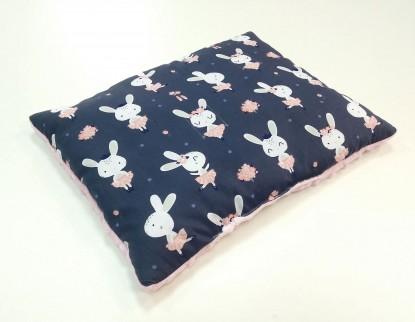 Płaska poduszka Minky Granatowe Króliki i Róż 40x50cm