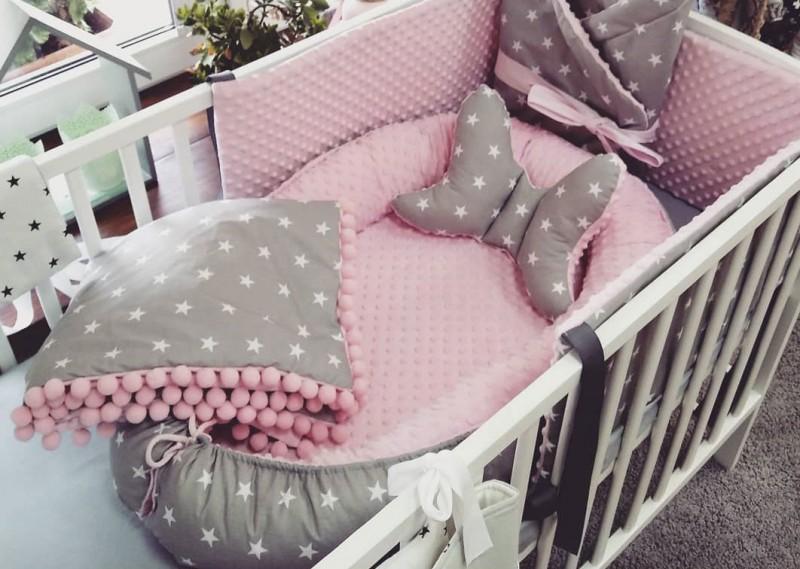 Kokon niemowlęcy Małe Gwiazdki i Róż Wersja Minky