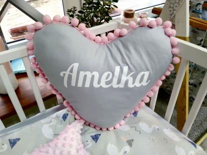 Poduszka z imieniem Amelka w kształcie serca