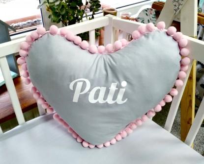 Poduszka z imieniem Pati w kształcie serca