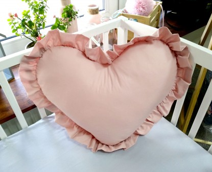 Poduszka Serce z Falbankami Brudny Róż