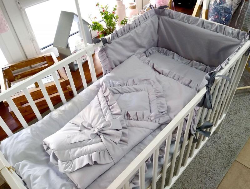4 elementowa pościel do łóżeczka Szare z falbankami
