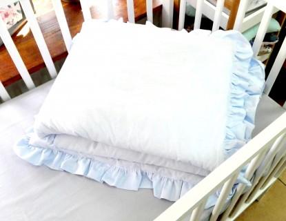 Kołderka i poduszka z falbankami Błękitne (komplet z wypełnieniem)